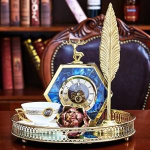ライト高級ヨーロッパゴールドサイドブルー瑪瑙パターン鹿卓上時計ホームワインキャビネットベッドサイドの装飾時計の装飾品