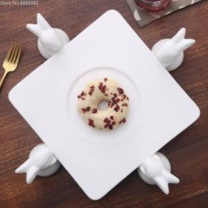 Cornice per torta in ceramica Creativo Soggiorno europeo Coniglio Piatto da frutta Vassoio pasticceria Tavolo da dessert Supporto per dolci Strumenti per decorare la torta