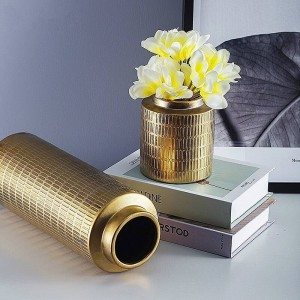 Vaso europeo creativo di disposizione dei fiori della decorazione domestica del vaso di ceramica di colore del metallo di placcatura del vaso
