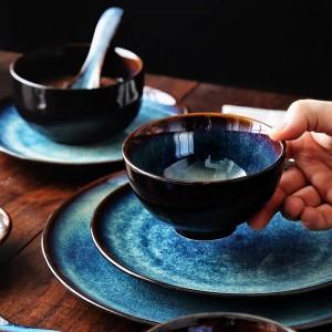 Set da pranzo KINGLANG 2/4/6 persone Set di scodelle giapponesi Set di stoviglie in ceramica per la casa Colore smalto Pavone Modello Set di piatti a scodella